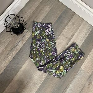 Lululemon Wunder under Crop *Roll Down
